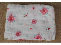 Марлевые муслиновые пеленки 120*120 - Цветочки купить в интернет-магазине «Берегиня» Украина