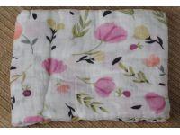 Марлевые муслиновые пеленки 120*120 - Сиреневые цветы купить в интернет-магазине «Берегиня» Украина